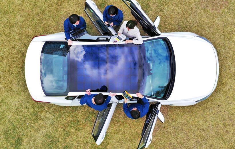 کیا و هیوندای پنل های خورشیدی روی خودروهای خود نصب خواهند کرد