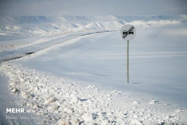 ارتفاع برف در کوهرنگ به 250 سانتی متر رسید، احتمال ریزش بهمن