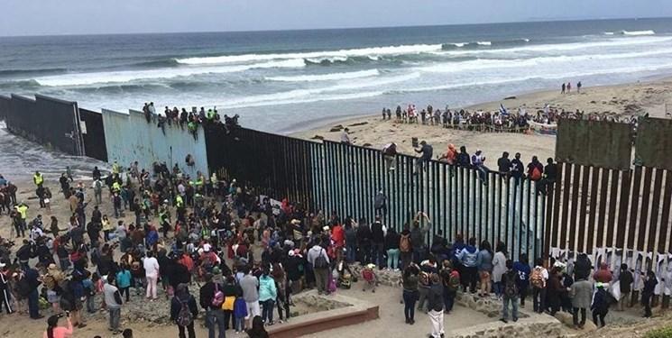 رئیس جمهور مکزیک: با ترامپ درباره دیوار مرزی گفت وگو نمی کنم