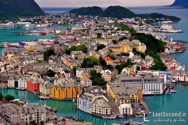بندر بسیار زیبای آلیسوند، نروژ
