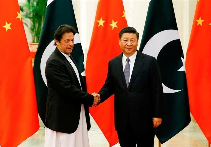 گفتگوی عمران خان با رئیس جمهور چین درباره شرایط اتباع پاکستانی محصور در ووهان