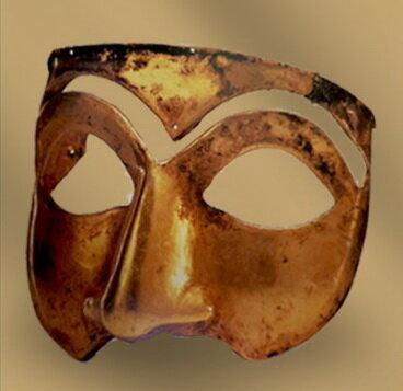 صورتک زرین موزه ملی برای تئاتری ها