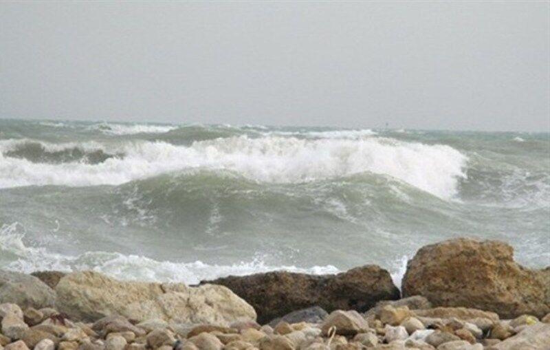 خبرنگاران تنگه هرمز و دریای عمان مواج است